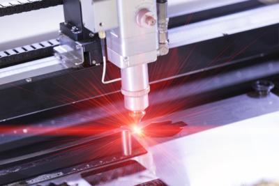 taglio-laser-del-plexiglass